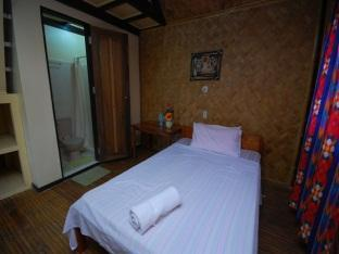 Villa Leonora Beach Resort Puerto Princesa City - Ranch Style Room