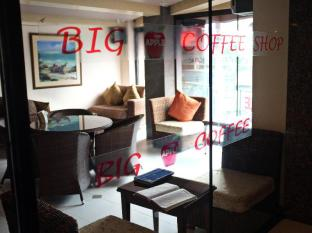 Big Apple Hotel & Bar Davao City - בית המלון מבפנים