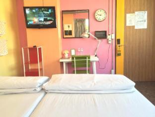 Saphaipae Hostel Bangkok - Private Shared Bathroom