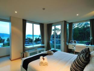 The Baycliff Hotel Phuket - Guest Room