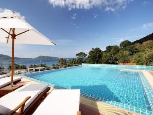 The Baycliff Hotel Phuket - Swimming Pool