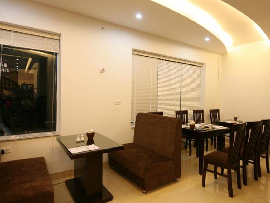 Rising Dragon Cathedral Hotel - Hotell och Boende i Vietnam , Hanoi