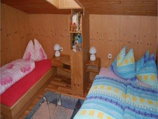 Ferienwohnungen Unterluimes Apartment Telfes im Stubai - Guest Room