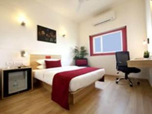 Red Fox Hotel-East Delhi New Delhi and NCR - Standard Room