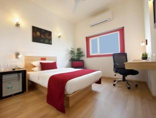 Red Fox Hotel-East Delhi New Delhi and NCR - Guest Room
