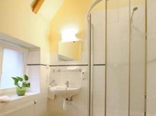 Pension Corto Old Town Prague - Bathroom