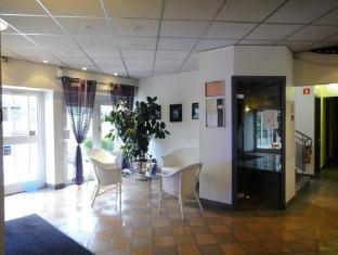 L'Hotel Romilly-sur-Seine - Interior
