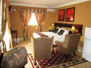 Acre Of Africa Guesthouse   Cheap Hotels in Johannesburg South Africa