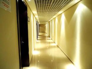 アル ジャジーラ クラブ ホテル  アブダビ - ホテル内部