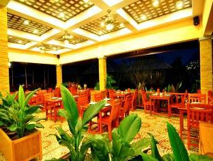 Chalong Villa Resort & Spa Phuket - Food, drink and entertainment