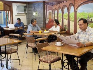 Pinoy Pamilya Hotel Манила - Ресторант