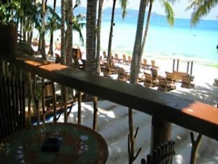 Swiper's Inn Boracay - More photos