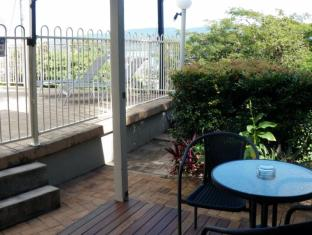 Airlie Apartments Whitsunday Islands - גינה