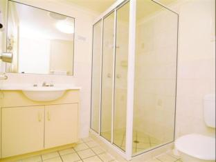 Airlie Apartments Whitsunday Islands - Bathroom