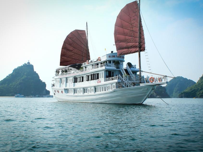 Hotell Halong Phoenix Cruise