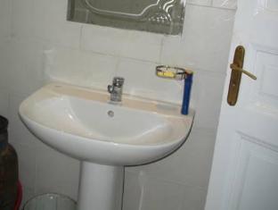 The Canadian Hostel Cairo - Bathroom