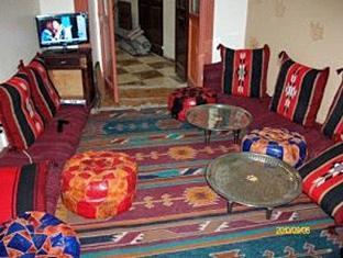 Hola Cairo Hostel Kairo - Hotellet indefra