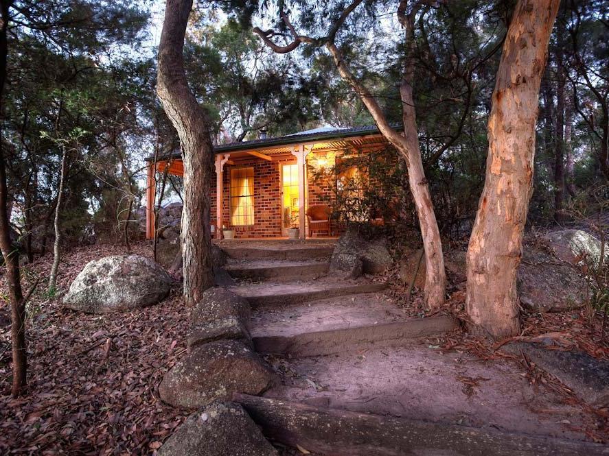 Honeysuckle Cottages - Hotell och Boende i Australien , Stanthorpe