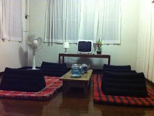 Sparrow' Nest Guest House Chiang Mai - Hotel Innenbereich