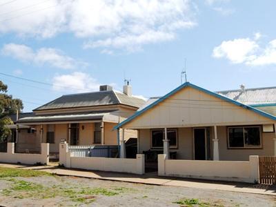Cobalt Cottages - Hotell och Boende i Australien , Broken Hill