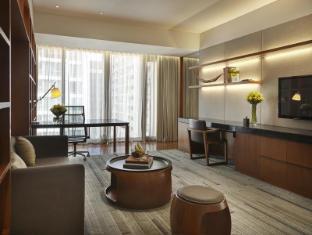 Hansar Bangkok Hotel Bangkok - Vertigo Suite - Living Room