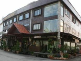 Nuriz Palace Hotel