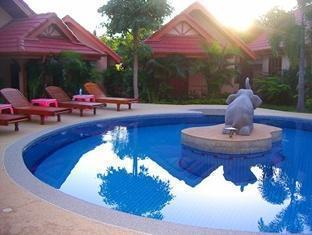 Happy Elephant Resort Phuket - Uszoda