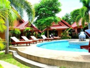 Happy Elephant Resort Phuket - Uszoda