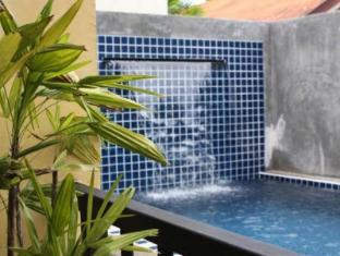 Taro Hotel Пукет - Плувен басейн