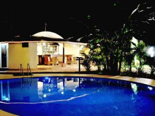 Best Western Devasthali - The Valley Of Gods Jižní Goa - Bazén