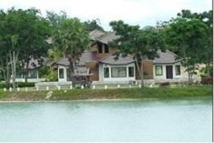 โรงแรมรีสอร์ทบลูแซฟไฟร์ กอล์ฟ แอนด์ รีสอร์ท โรงแรมในกาญจนบุรี