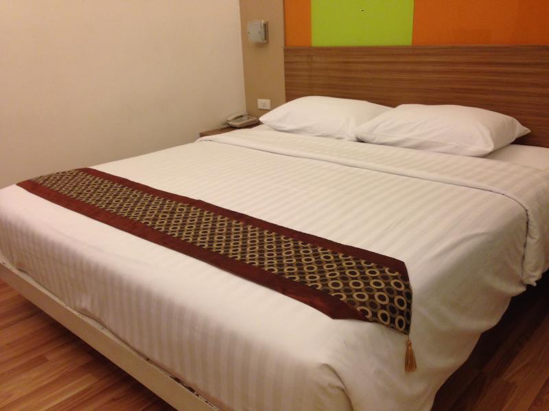 アソーク スイーツ ホテル3