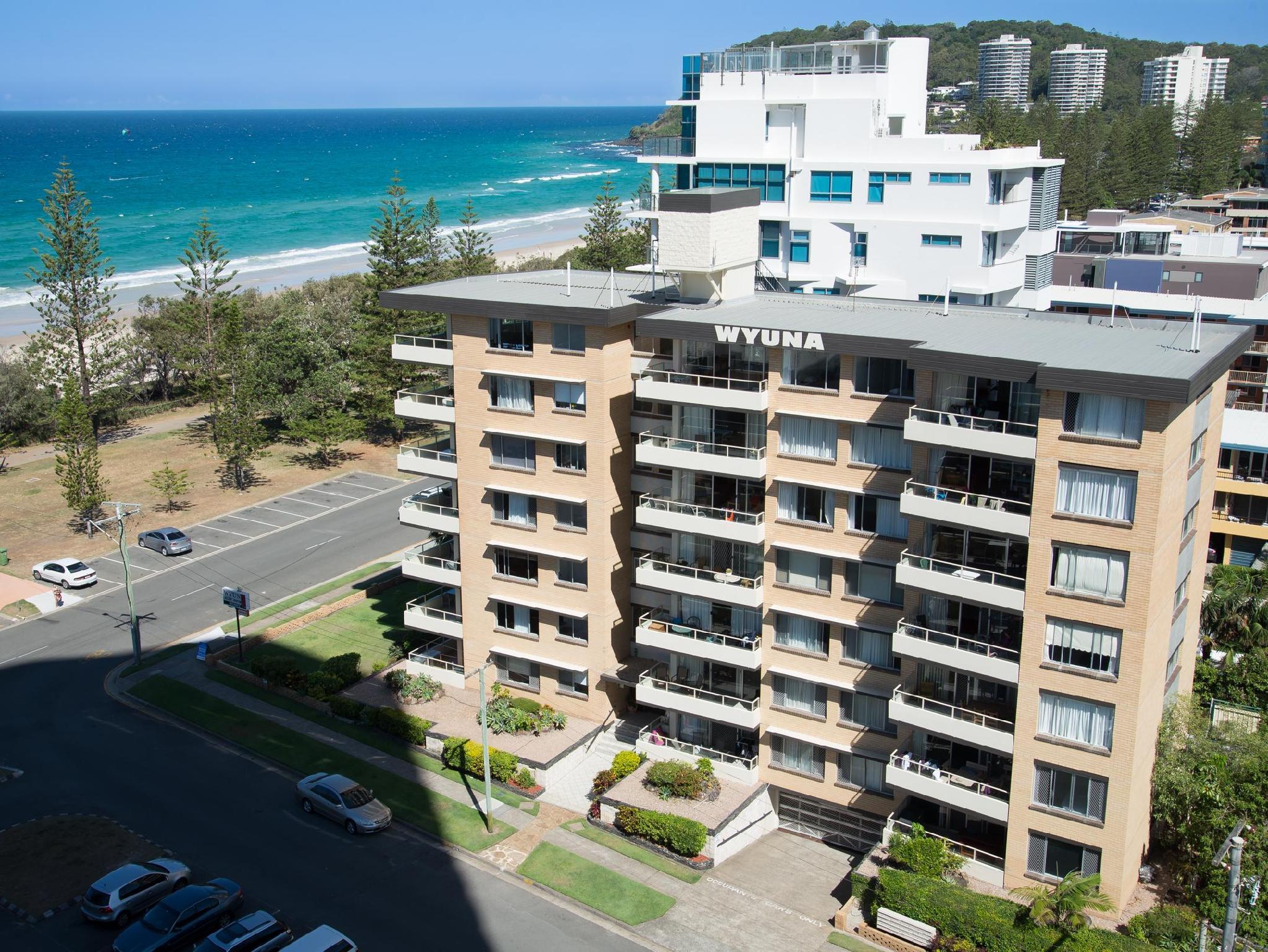 Hotell Wyuna Beachfront Apartments
