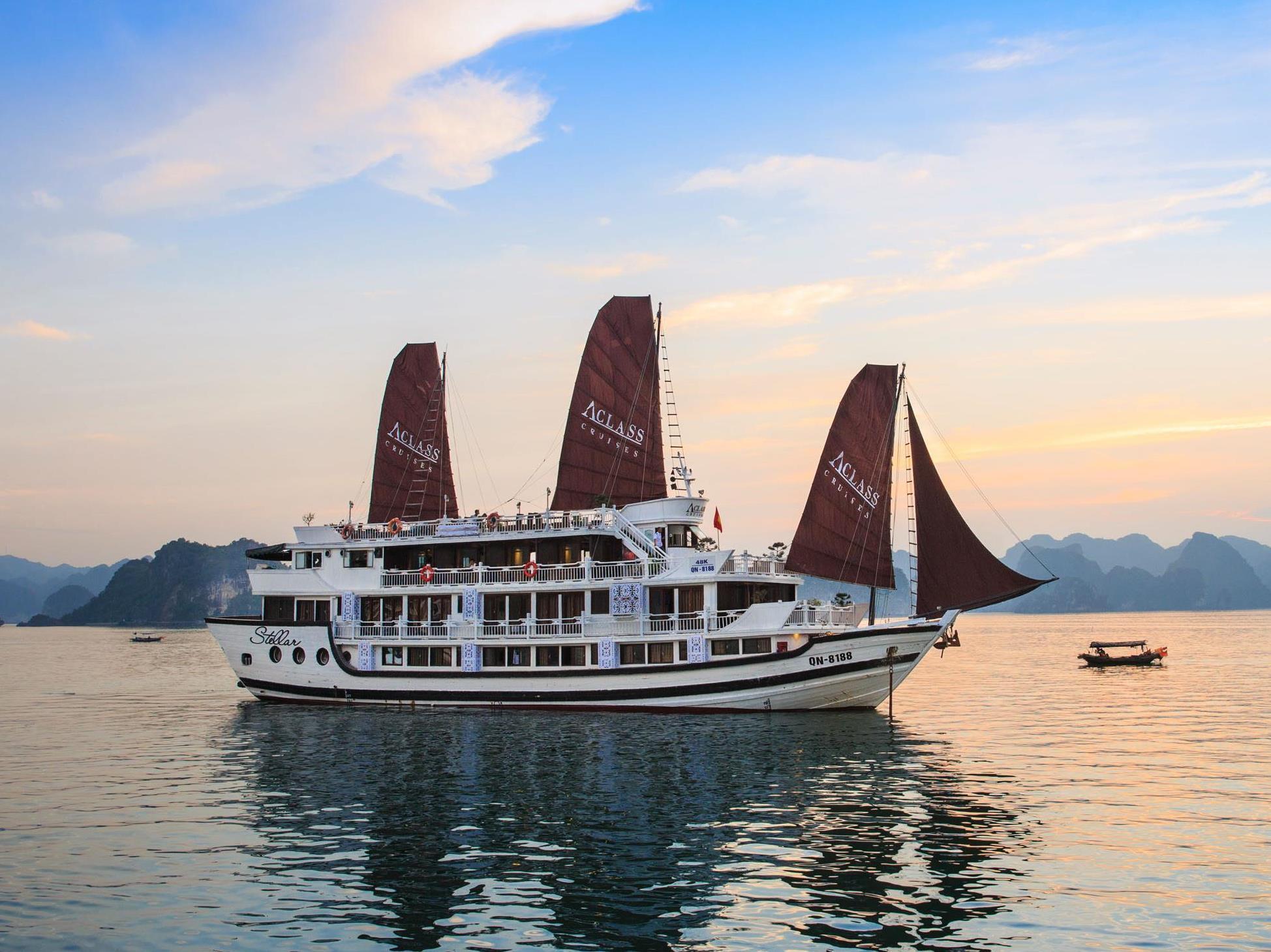Halong Aclass Opera Cruise - Hotell och Boende i Vietnam , Halong