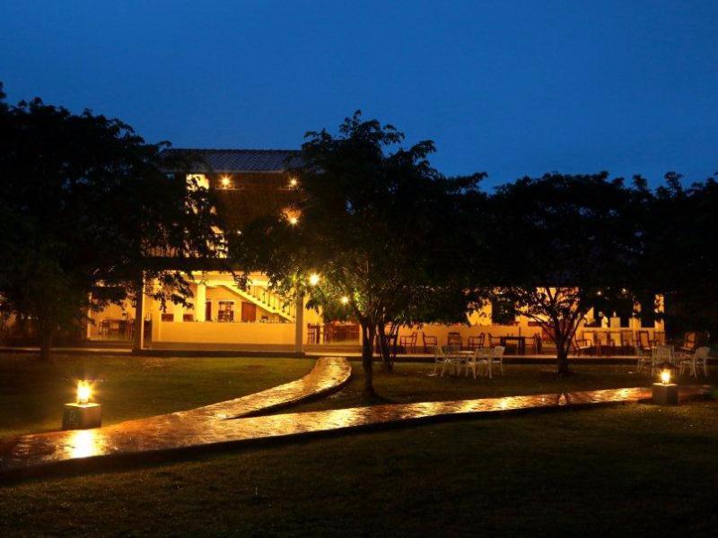 Kassapa Lions Rock - Hotels and Accommodation in Sri Lanka, Asia