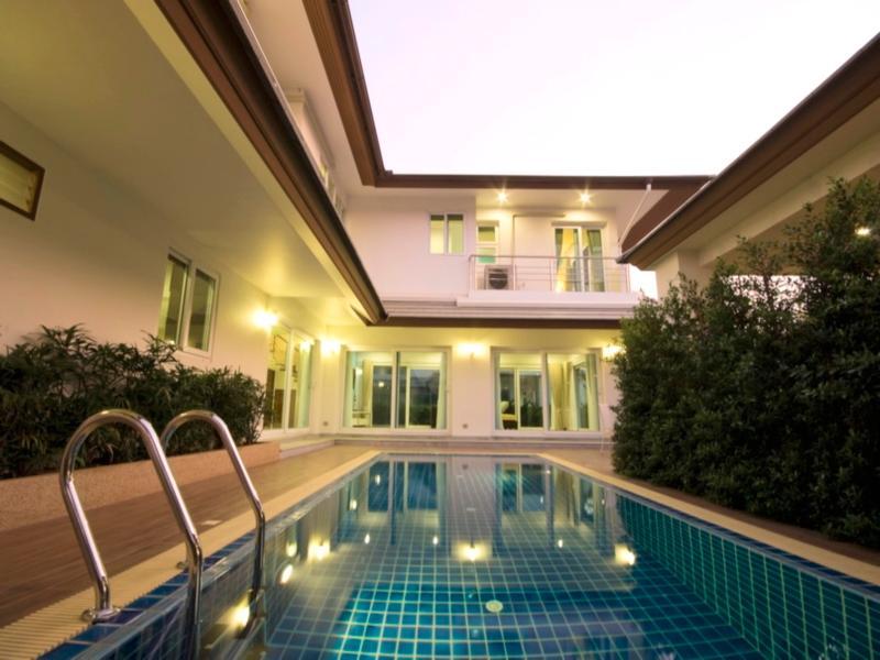 Jasmina Pool Villa at Seabreeze - Pattaya