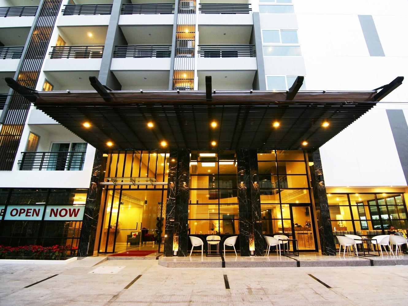 Sea Me Spring Hotel - Pattaya