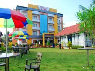 Hotell Royal Riviera Hotel   Resort