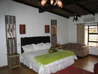 Moafrika Lodge Johannesburg - Bedroom