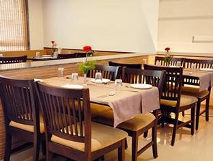 Hotel Park Prime North Goa - Food, drink and entertainment
