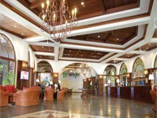One Hotel Santubong Кучінг - Фойє