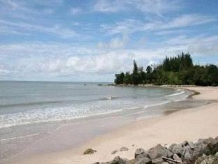 One Hotel Santubong Кучінг - Пляж
