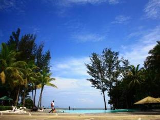 One Hotel Santubong Кучінг - Басейн