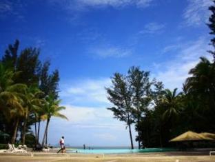 One Hotel Santubong Kuching - Piscina
