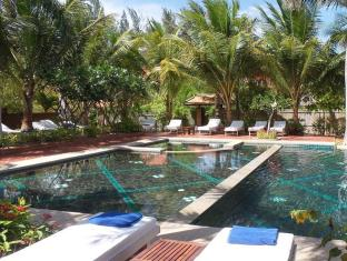 Full Moon Village Resort Phan Thiet - Swimming Pool