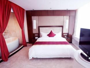 The Hanoi Club Hotel & Lake Palais Residences - Room type photo