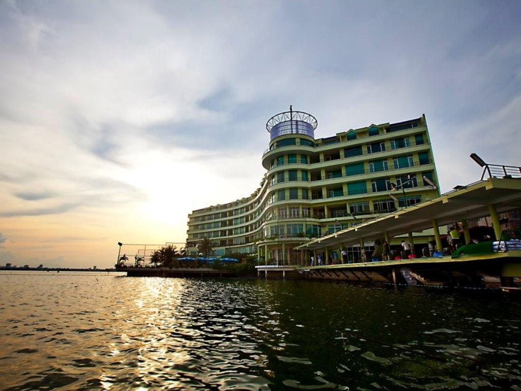 Hotell The Hanoi Club Hotel   Lake Palais Residences