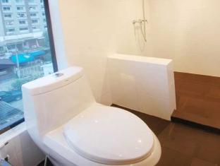 H Unique Bed & Breakfast Chiang Mai - Studio Room (Small) <br> Bathroom