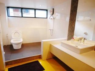 H Unique Bed & Breakfast Chiang Mai - Standard Room (Medium) <br> Bathroom