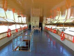 Room photo 10 from hotel Jct Houseboats Kumarakom